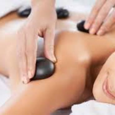 Hot-stones-massage-3-300x158.jpg