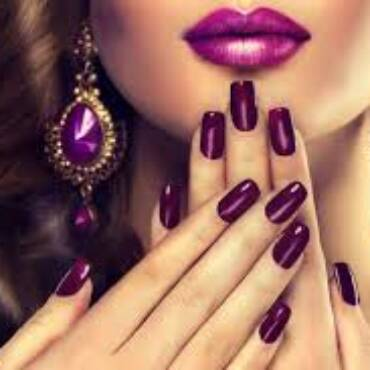 Acrylics, BIAB Builder Gel and Nail Art treatments now available!!